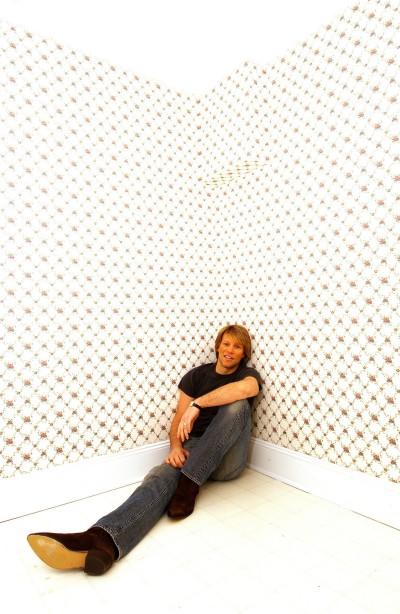 Фотосессия Джона Бон Джови 2004 года